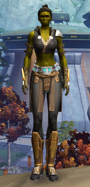 Aspiring Knight Armor Set Outfit from Star Wars: The Old Republic.
