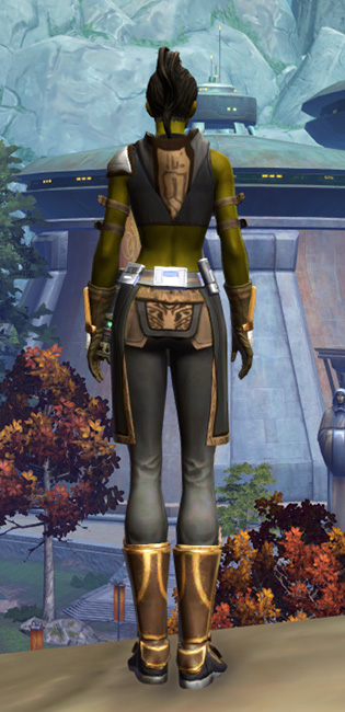 Aspiring Knight Armor Set player-view from Star Wars: The Old Republic.