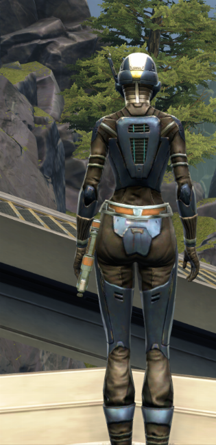 Flawless Riposte Armor Set player-view from Star Wars: The Old Republic.