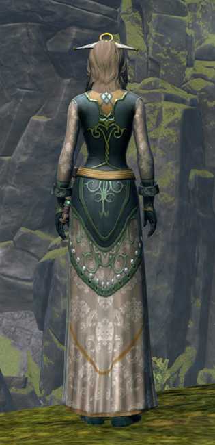 Luxurious Dress Armor Set player-view from Star Wars: The Old Republic.