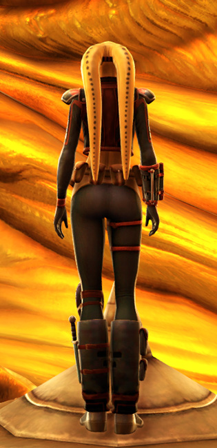 Mantellian Privateer Armor Set player-view from Star Wars: The Old Republic.