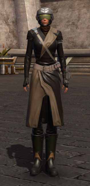 Wayward Voyager Armor Set Outfit from Star Wars: The Old Republic.